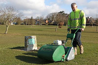 Andy Ryder, Head Greenkeeper at Brailsford Golf Club has been using a 10-bladed Dennis FT510 with interchangeable cassettes for his tees and an 11-bla