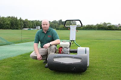 Charlie Yeomans, Head Groundsman at the University of Warwick has chosen a Dennis Razor Ultra 560 mower for his cricket wickets.