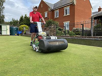 Dennis Razor Ultra -  keeping up appearances at Topsham Bowls Club.